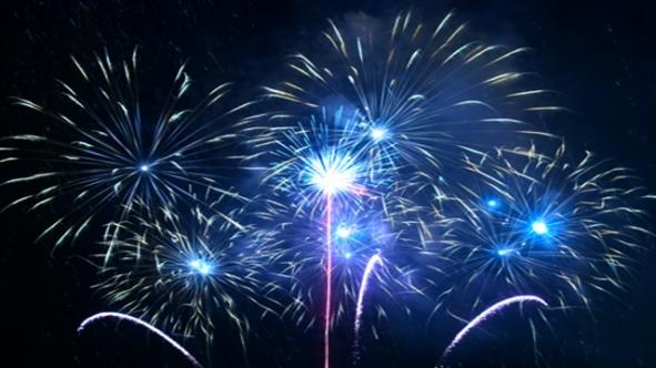 NYE_Fireworks_TW_520x380_copy_6q2q8vnk_awewl2rg.jpg