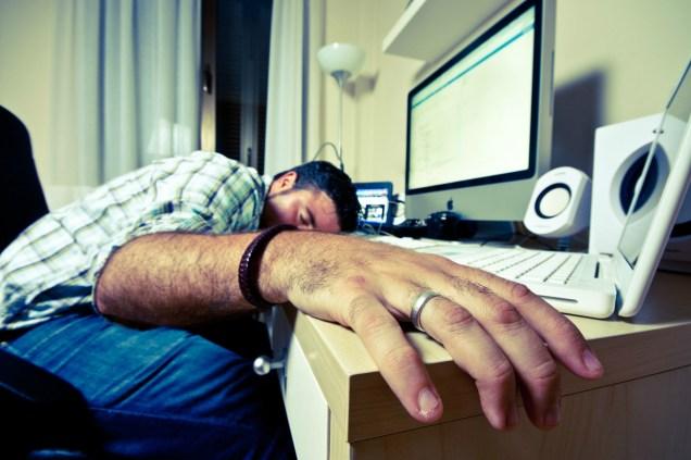 sleeping-on-keyboard1.jpg